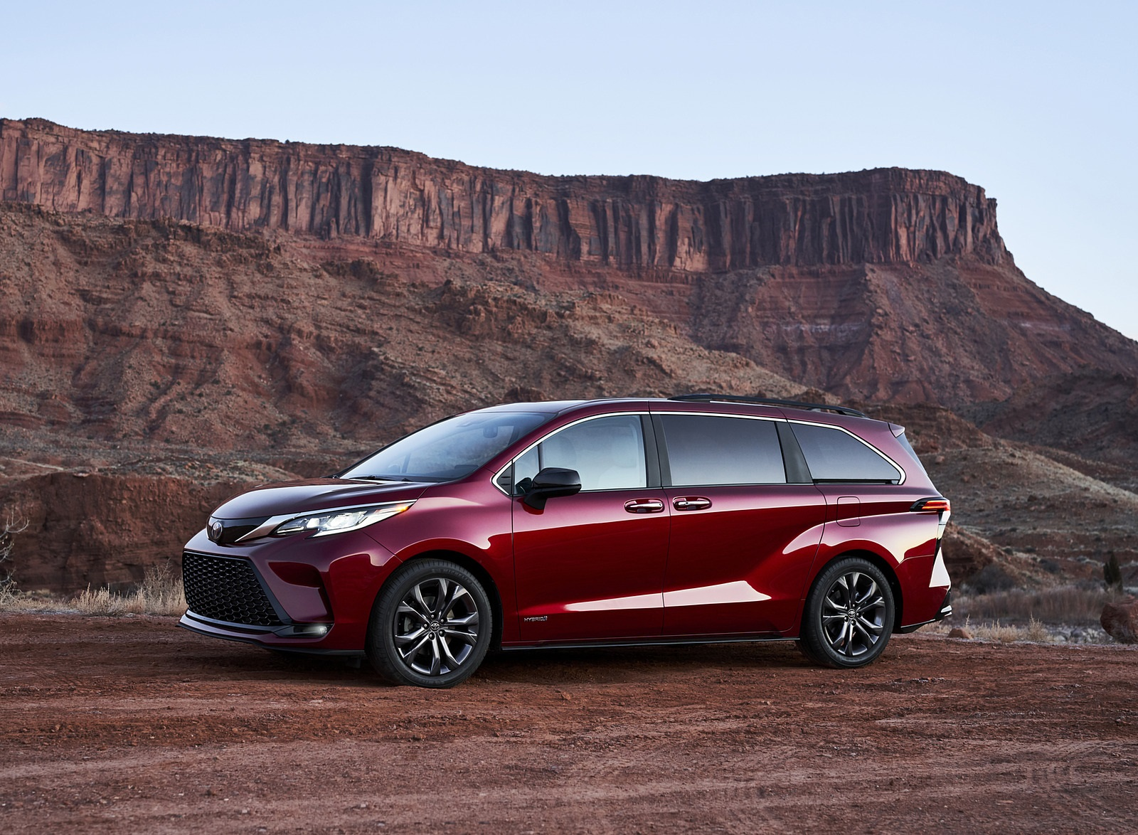 2021 Toyota Sienna XSE Hybrid Front Three-Quarter Wallpapers (5)