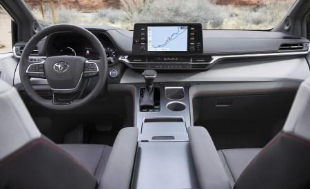 2021 Toyota Sienna XSE Hybrid Interior Cockpit Wallpapers 450x275 (10)