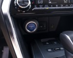 2021 Toyota Venza Hybrid LE Interior Detail Wallpapers 150x120 (36)