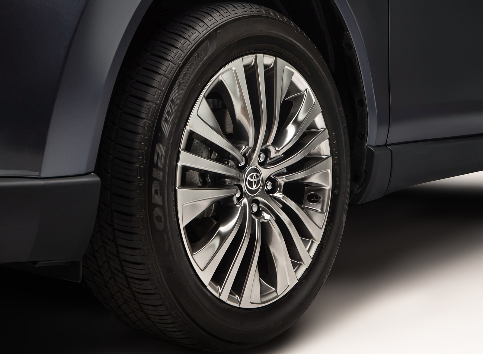 2021 Toyota Venza Wheel Wallpapers (6)