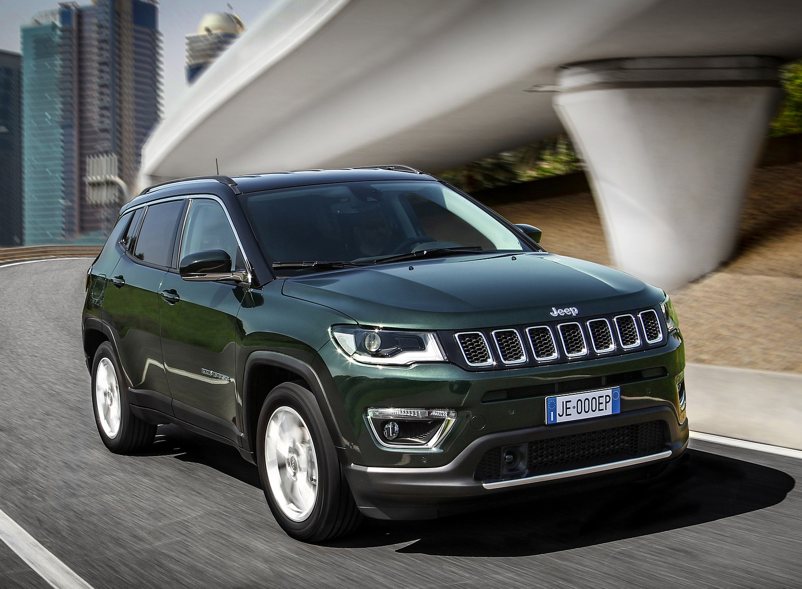 2020 Jeep Compass (Euro-Spec) Front Three-Quarter Wallpapers (2)