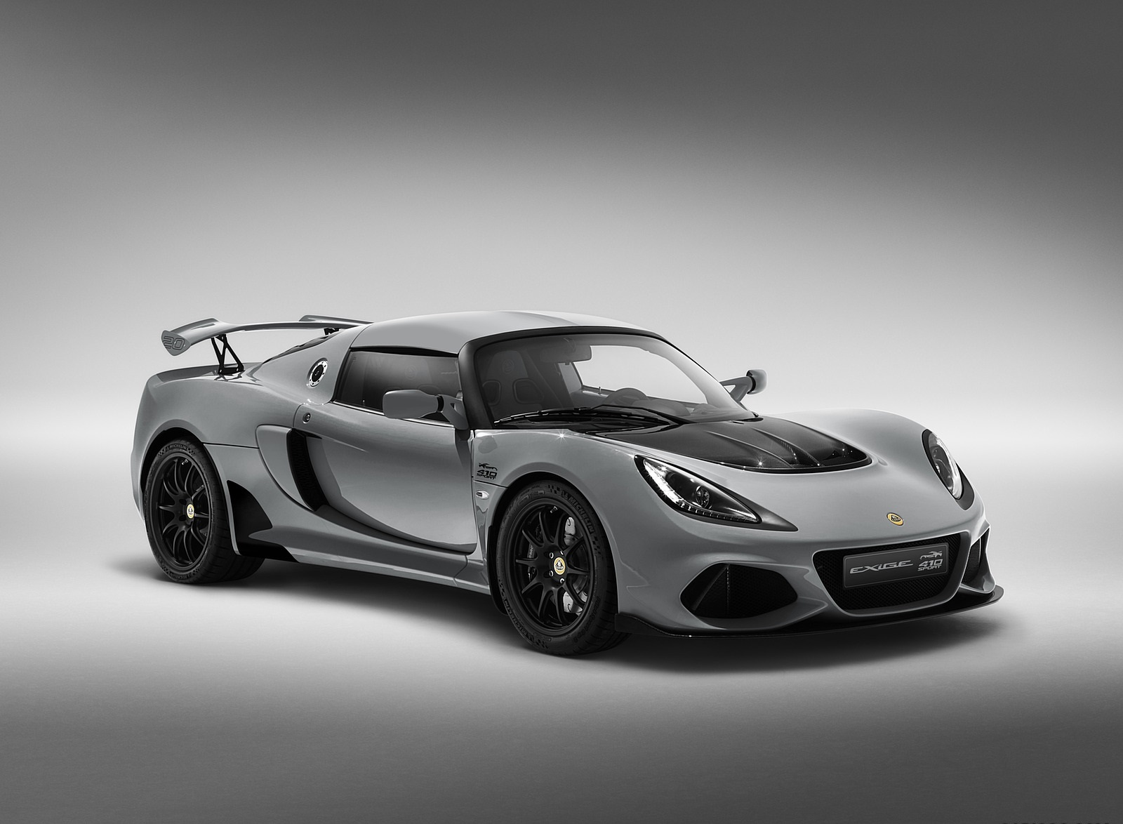 2020 Lotus Exige Sport 410 20th Anniversary (Color: Arctic Silver) Front Three-Quarter Wallpapers (2)