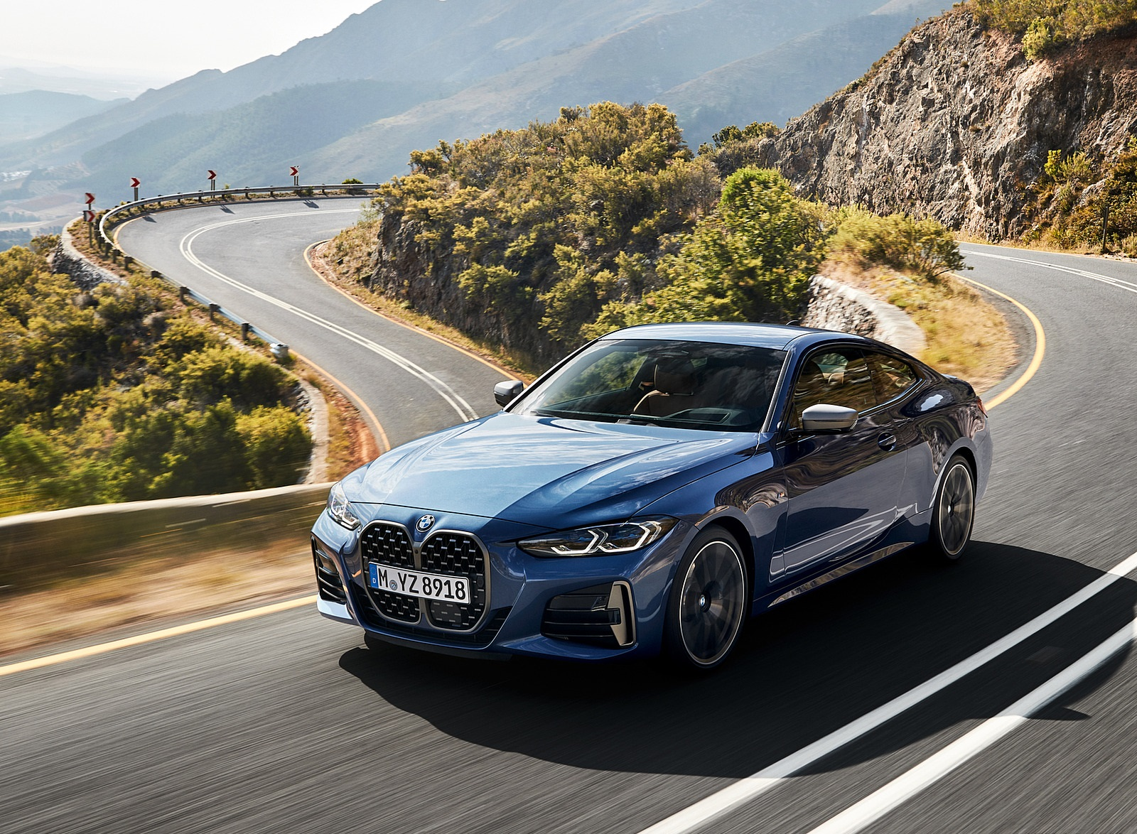 2021 BMW M440i xDrive Coupe Front Three-Quarter Wallpapers (1)