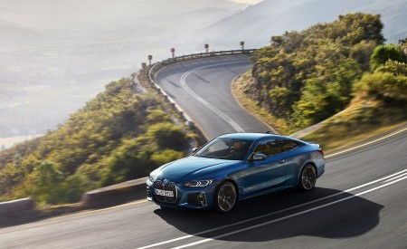 2021 BMW M440i xDrive Coupe Front Three-Quarter Wallpapers 450x275 (3)