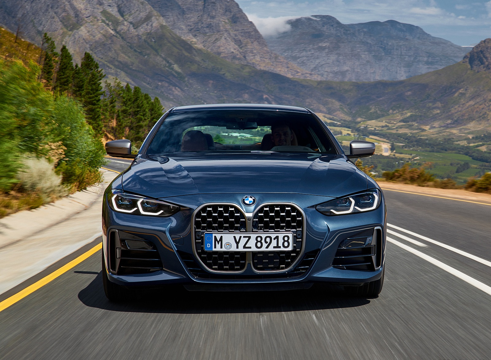 2021 BMW M440i xDrive Coupe Front Wallpapers (9)