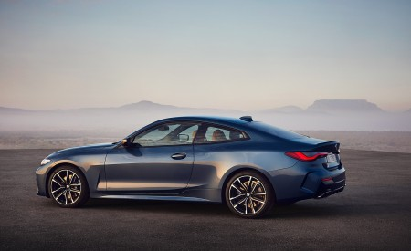 2021 BMW M440i xDrive Coupe Side Wallpapers 450x275 (56)