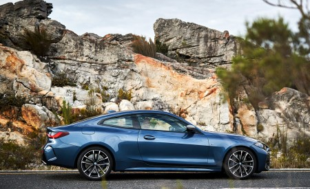 2021 BMW M440i xDrive Coupe Side Wallpapers 450x275 (47)