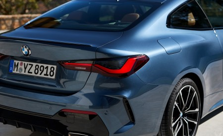 2021 BMW M440i xDrive Coupe Tail Light Wallpapers 450x275 (64)