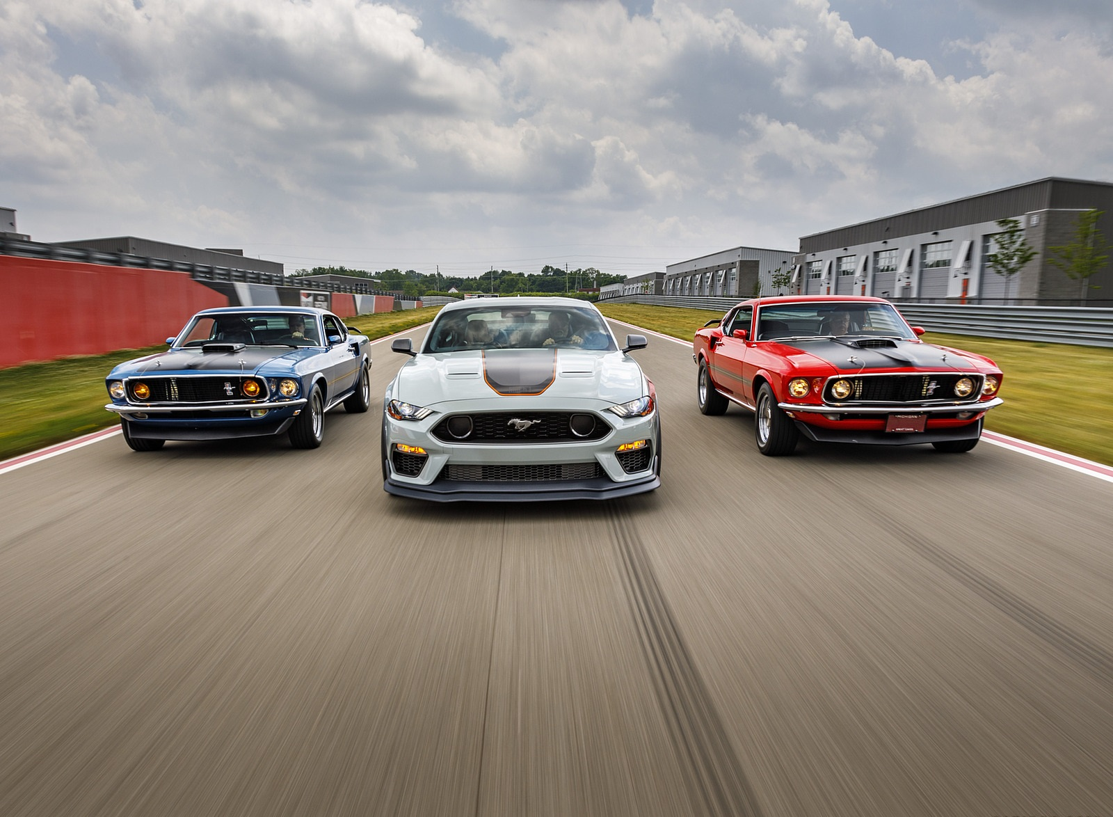 2021 Ford Mustang Mach 1 and 1969 Mach 1 Wallpapers (9)