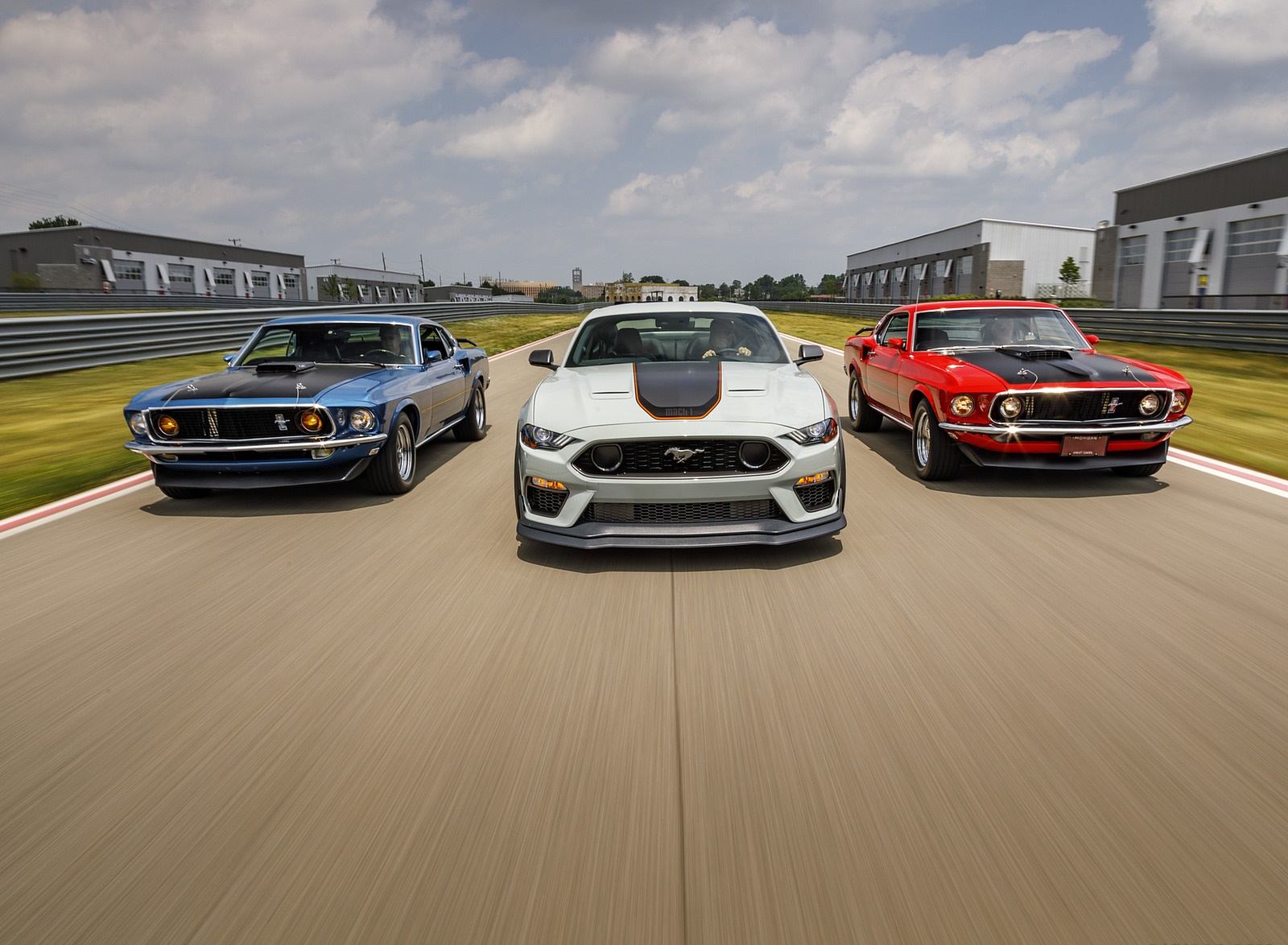 2021 Ford Mustang Mach 1 and 1969 Mach 1 Wallpapers (8)