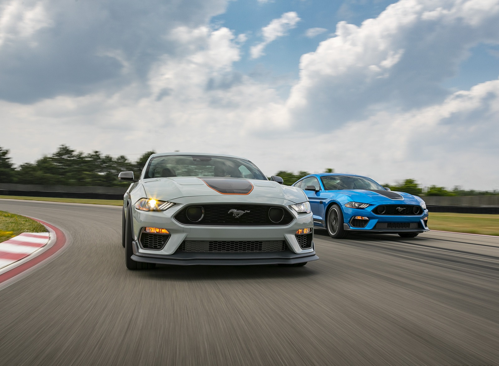 2021 Ford Mustang Mach 1 and 1969 Mach 1 Wallpapers (4)