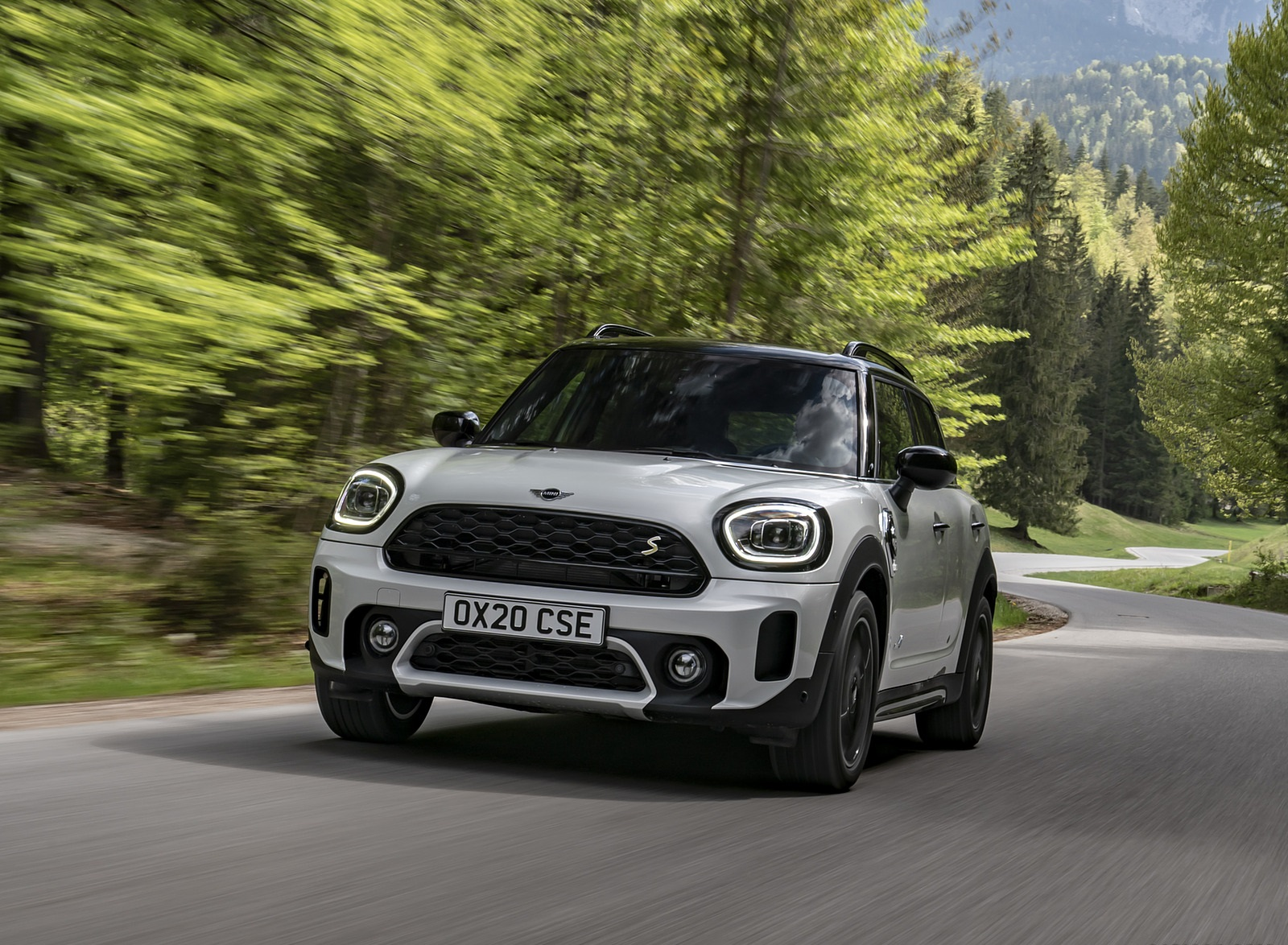 2021 MINI Countryman SE ALL4 Plug-In Hybrid Front Wallpapers (9)