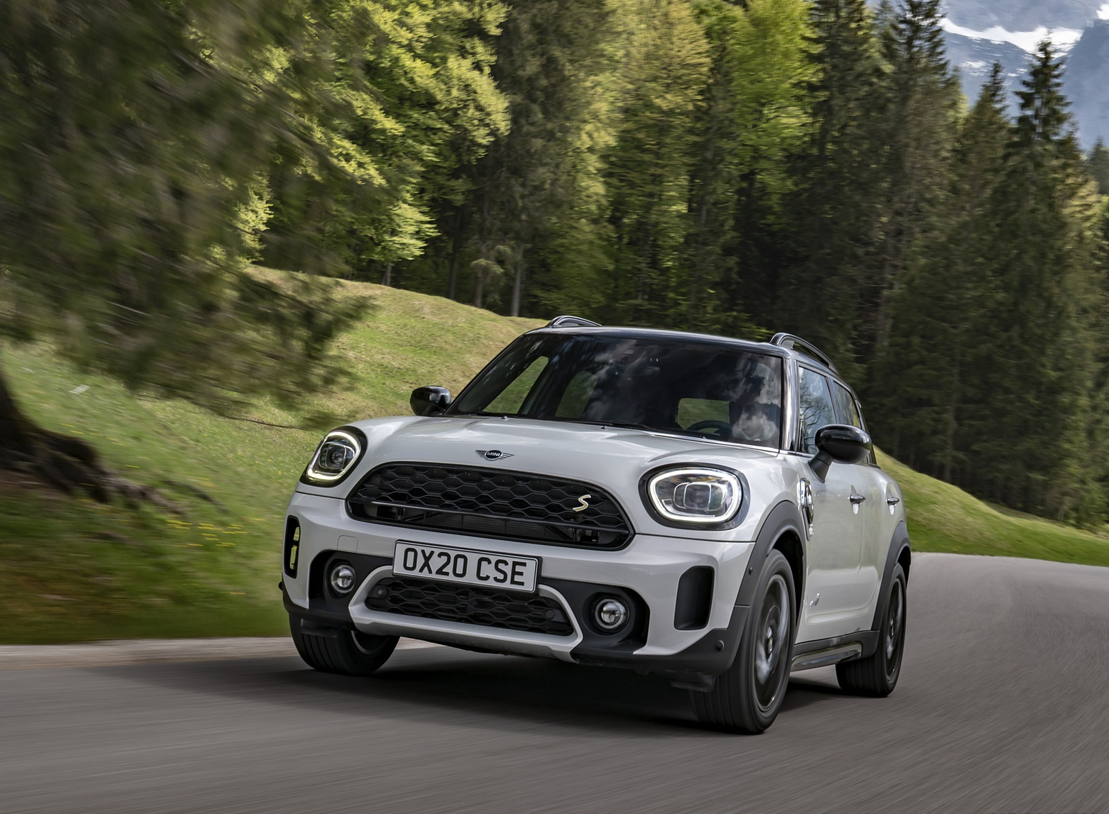 2021 MINI Countryman SE ALL4 Plug-In Hybrid Front Wallpapers (4)