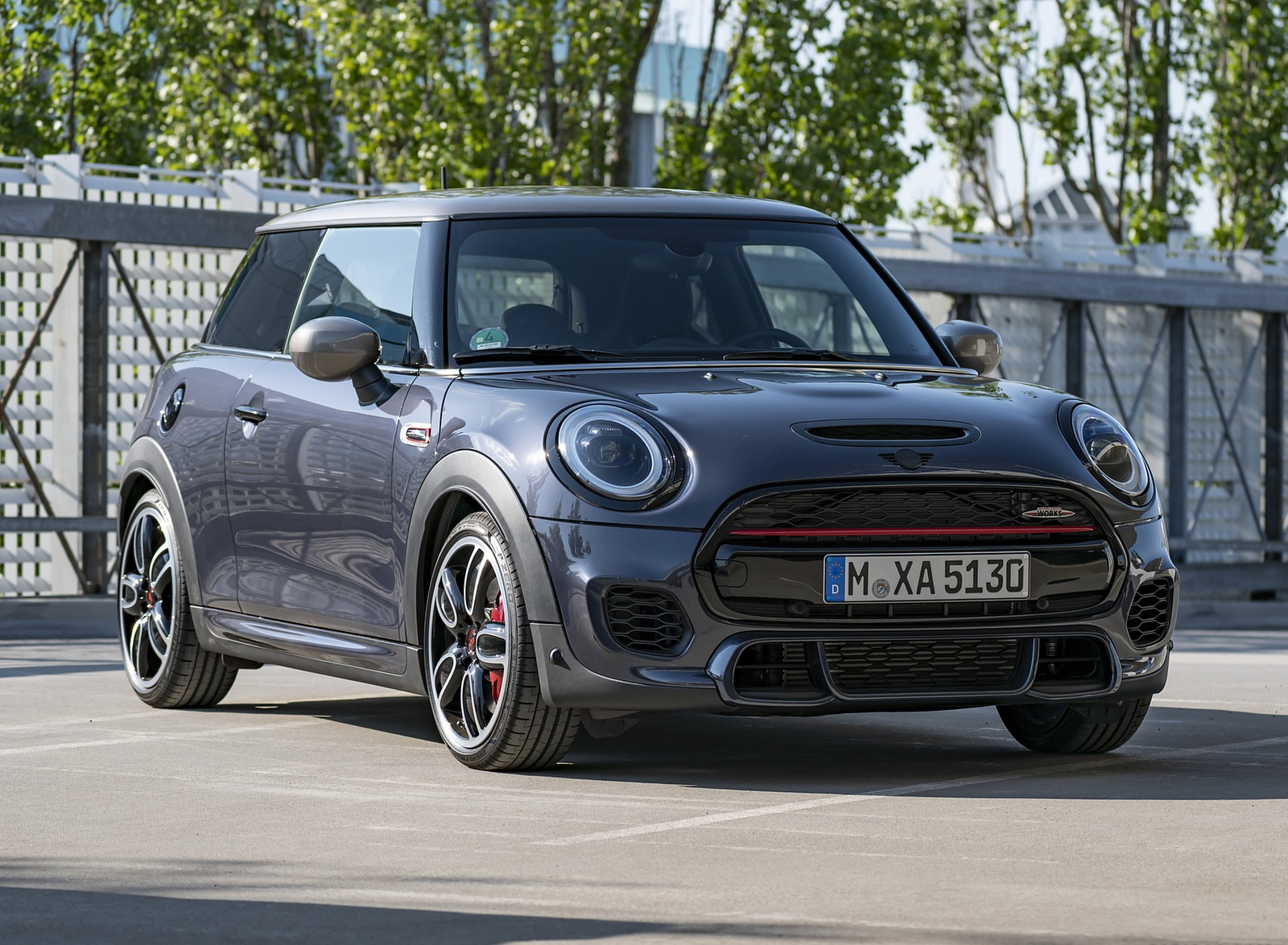 2021 MINI John Cooper Works GP Pack Front Three-Quarter Wallpapers (9)