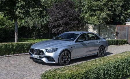 2021 Mercedes-AMG E 63 S 4MATIC+ (Color: High-Tech Silver Metallic) Front Three-Quarter Wallpapers 450x275 (19)