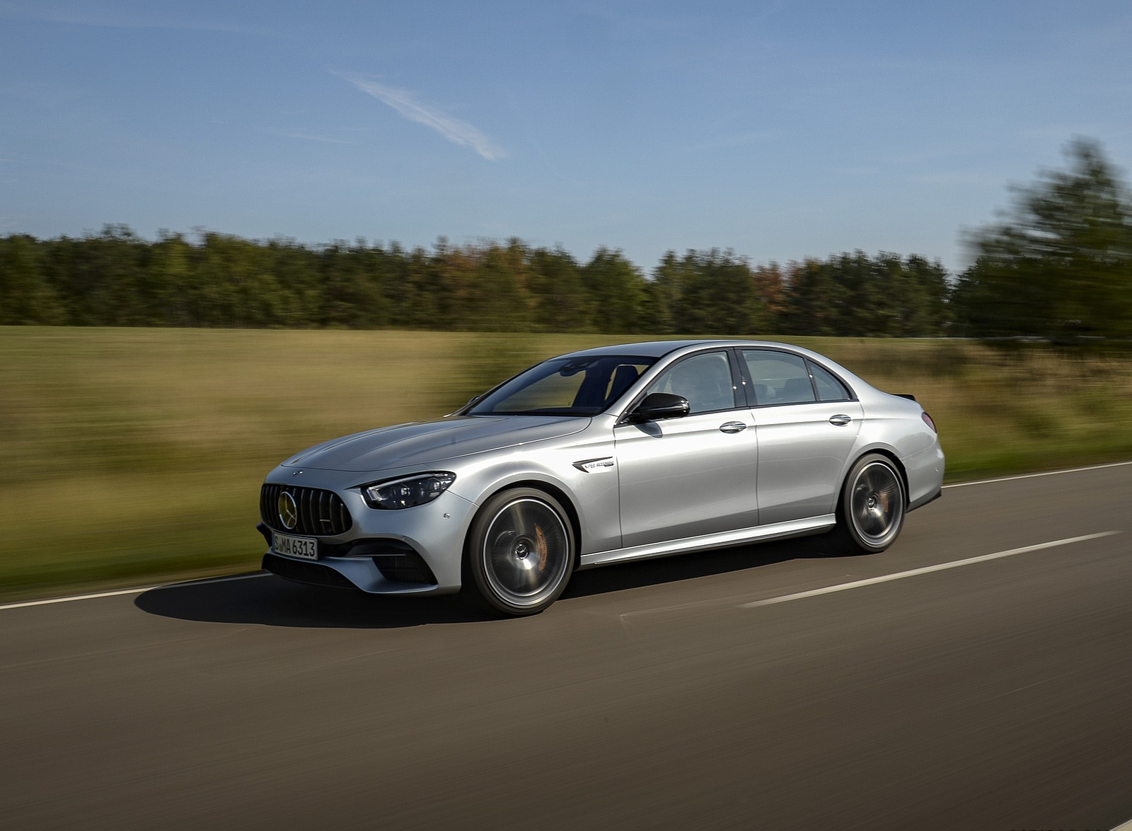 2021 Mercedes-AMG E 63 S 4MATIC+ (Color: High-Tech Silver Metallic) Front Three-Quarter Wallpapers (3)