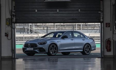 2021 Mercedes-AMG E 63 S 4MATIC+ (Color: High-Tech Silver Metallic) Front Three-Quarter Wallpapers 450x275 (14)