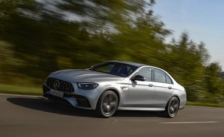 2021 Mercedes-AMG E 63 S 4MATIC+ (Color: High-Tech Silver Metallic) Front Three-Quarter Wallpapers 450x275 (5)