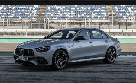 2021 Mercedes-AMG E 63 S 4MATIC+ (Color: High-Tech Silver Metallic) Front Three-Quarter Wallpapers 450x275 (15)