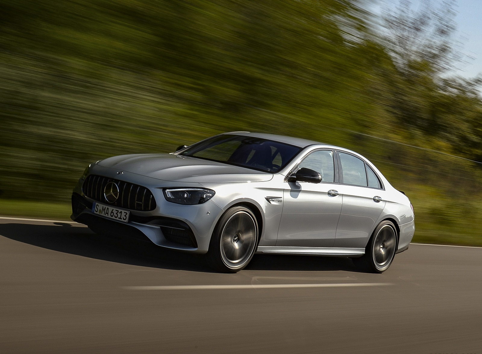 2021 Mercedes-AMG E 63 S 4MATIC+ (Color: High-Tech Silver Metallic) Front Three-Quarter Wallpapers (6)