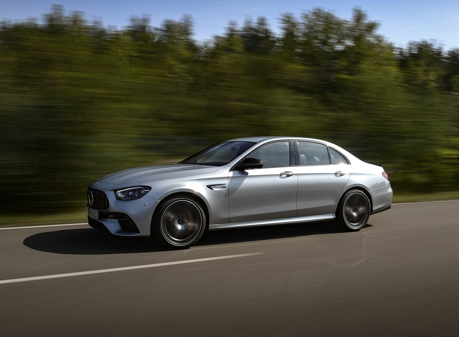 2021 Mercedes-AMG E 63 S 4MATIC+ (Color: High-Tech Silver Metallic) Front Three-Quarter Wallpapers (7)