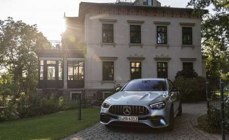 2021 Mercedes-AMG E 63 S 4MATIC+ (Color: High-Tech Silver Metallic) Front Wallpapers 450x275 (23)
