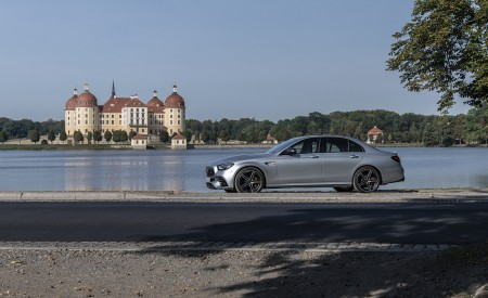 2021 Mercedes-AMG E 63 S 4MATIC+ (Color: High-Tech Silver Metallic) Side Wallpapers 450x275 (25)