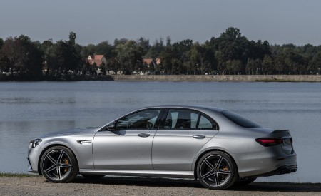 2021 Mercedes-AMG E 63 S 4MATIC+ (Color: High-Tech Silver Metallic) Side Wallpapers 450x275 (27)