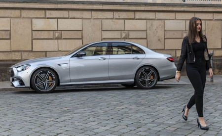 2021 Mercedes-AMG E 63 S 4MATIC+ (Color: High-Tech Silver Metallic) Side Wallpapers 450x275 (29)