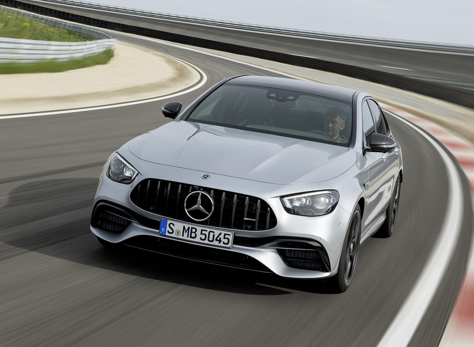 2021 Mercedes-AMG E 63 S (Color: Hightech Silver Metallic) Front Wallpapers (3)
