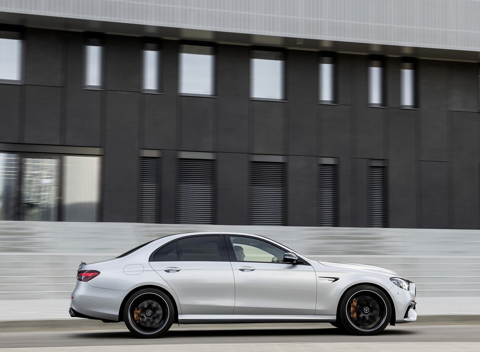 2021 Mercedes-AMG E 63 S (Color: Hightech Silver Metallic) Side Wallpapers (6)