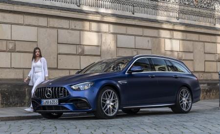 2021 Mercedes-AMG E 63 S Estate 4MATIC+ (Color: Designo Magno Brilliant Blue) Front Three-Quarter Wallpapers 450x275 (40)