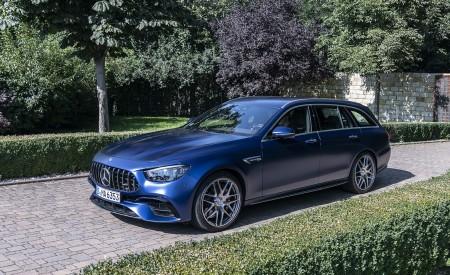 2021 Mercedes-AMG E 63 S Estate 4MATIC+ (Color: Designo Magno Brilliant Blue) Front Three-Quarter Wallpapers 450x275 (32)