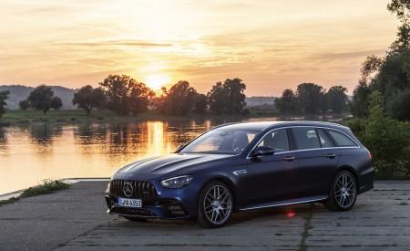 2021 Mercedes-AMG E 63 S Estate 4MATIC+ (Color: Designo Magno Brilliant Blue) Front Three-Quarter Wallpapers 450x275 (22)