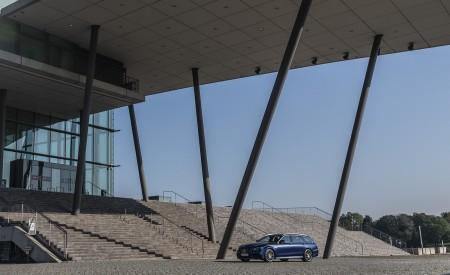 2021 Mercedes-AMG E 63 S Estate 4MATIC+ (Color: Designo Magno Brilliant Blue) Front Three-Quarter Wallpapers 450x275 (12)