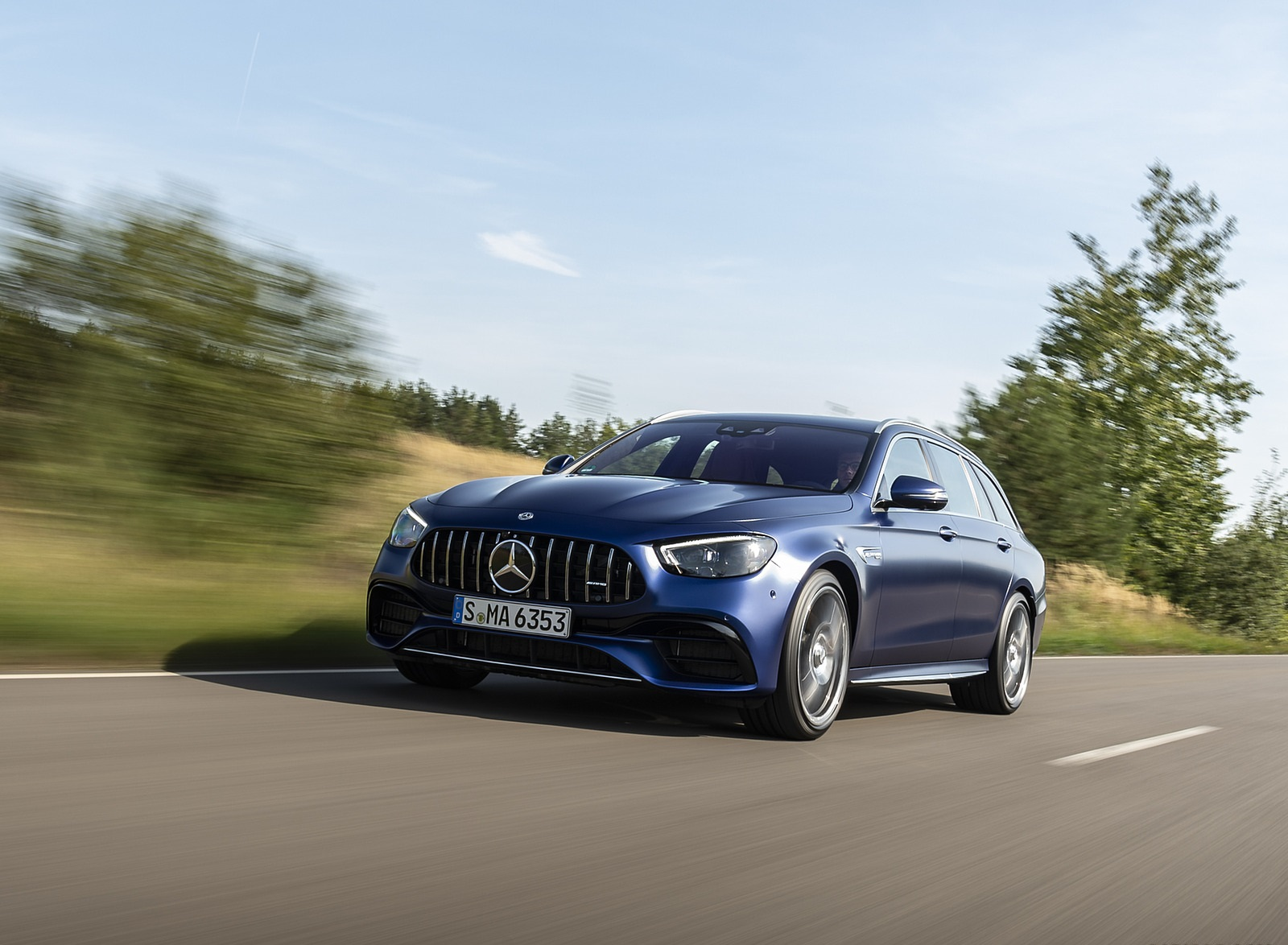 2021 Mercedes-AMG E 63 S Estate 4MATIC+ (Color: Designo Magno Brilliant Blue) Front Three-Quarter Wallpapers (2)