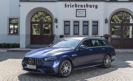 2021 Mercedes-AMG E 63 S Estate 4MATIC+ (Color: Designo Magno Brilliant Blue) Front Three-Quarter Wallpapers 450x275 (41)
