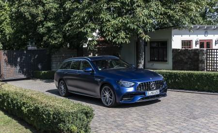 2021 Mercedes-AMG E 63 S Estate 4MATIC+ (Color: Designo Magno Brilliant Blue) Front Three-Quarter Wallpapers 450x275 (33)