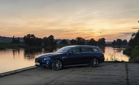 2021 Mercedes-AMG E 63 S Estate 4MATIC+ (Color: Designo Magno Brilliant Blue) Front Three-Quarter Wallpapers 450x275 (21)