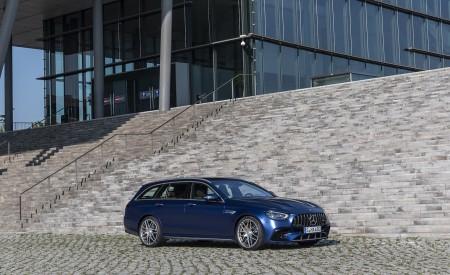 2021 Mercedes-AMG E 63 S Estate 4MATIC+ (Color: Designo Magno Brilliant Blue) Front Three-Quarter Wallpapers 450x275 (13)