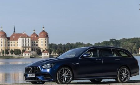 2021 Mercedes-AMG E 63 S Estate 4MATIC+ (Color: Designo Magno Brilliant Blue) Front Three-Quarter Wallpapers 450x275 (25)