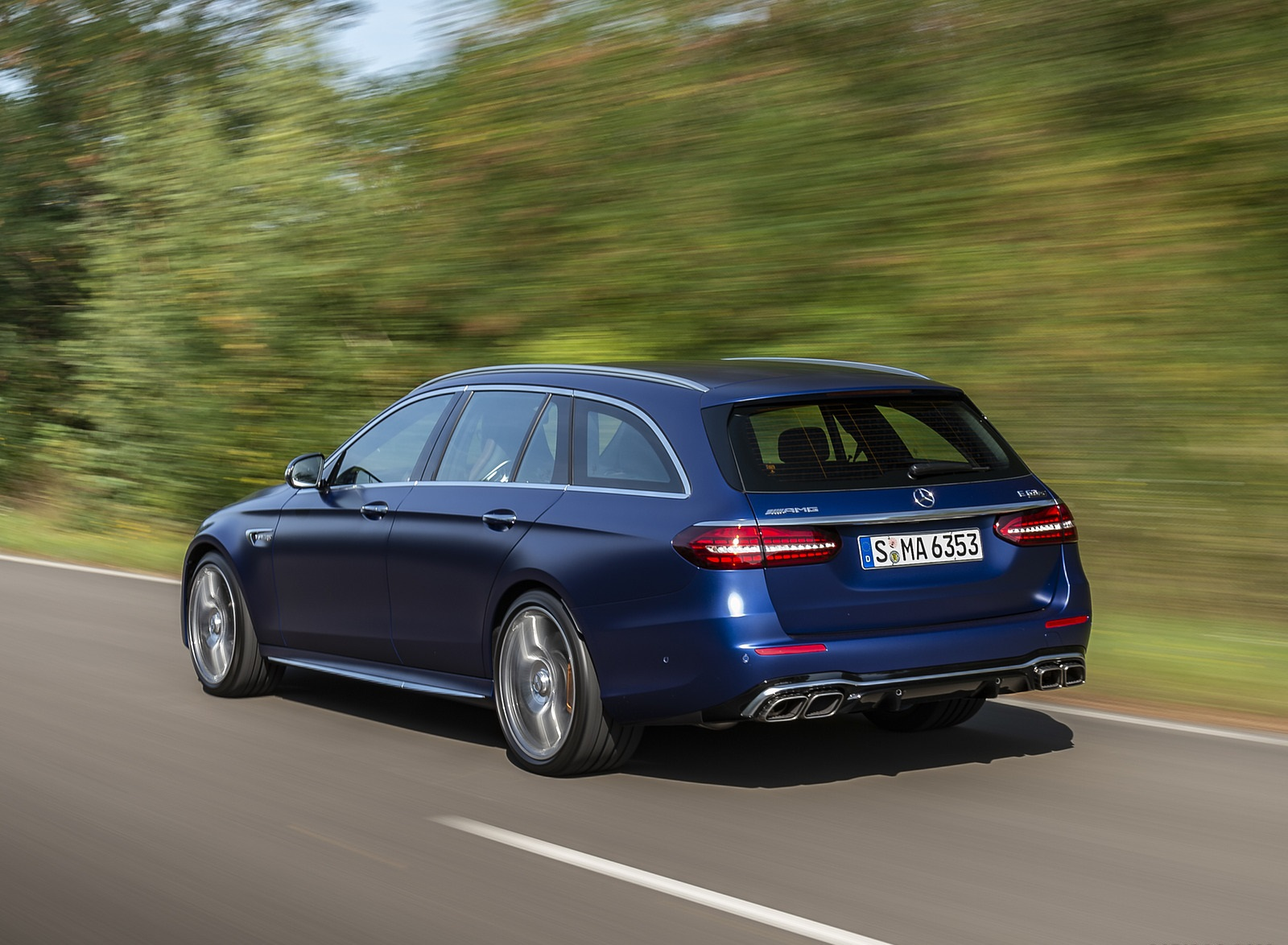 2021 Mercedes-AMG E 63 S Estate 4MATIC+ (Color: Designo Magno Brilliant Blue) Rear Three-Quarter Wallpapers (9)