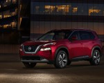 2021 Nissan Rogue Platinum AWD Front Three-Quarter Wallpapers 150x120 (8)