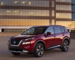 2021 Nissan Rogue Platinum AWD Front Three-Quarter Wallpapers 150x120 (2)