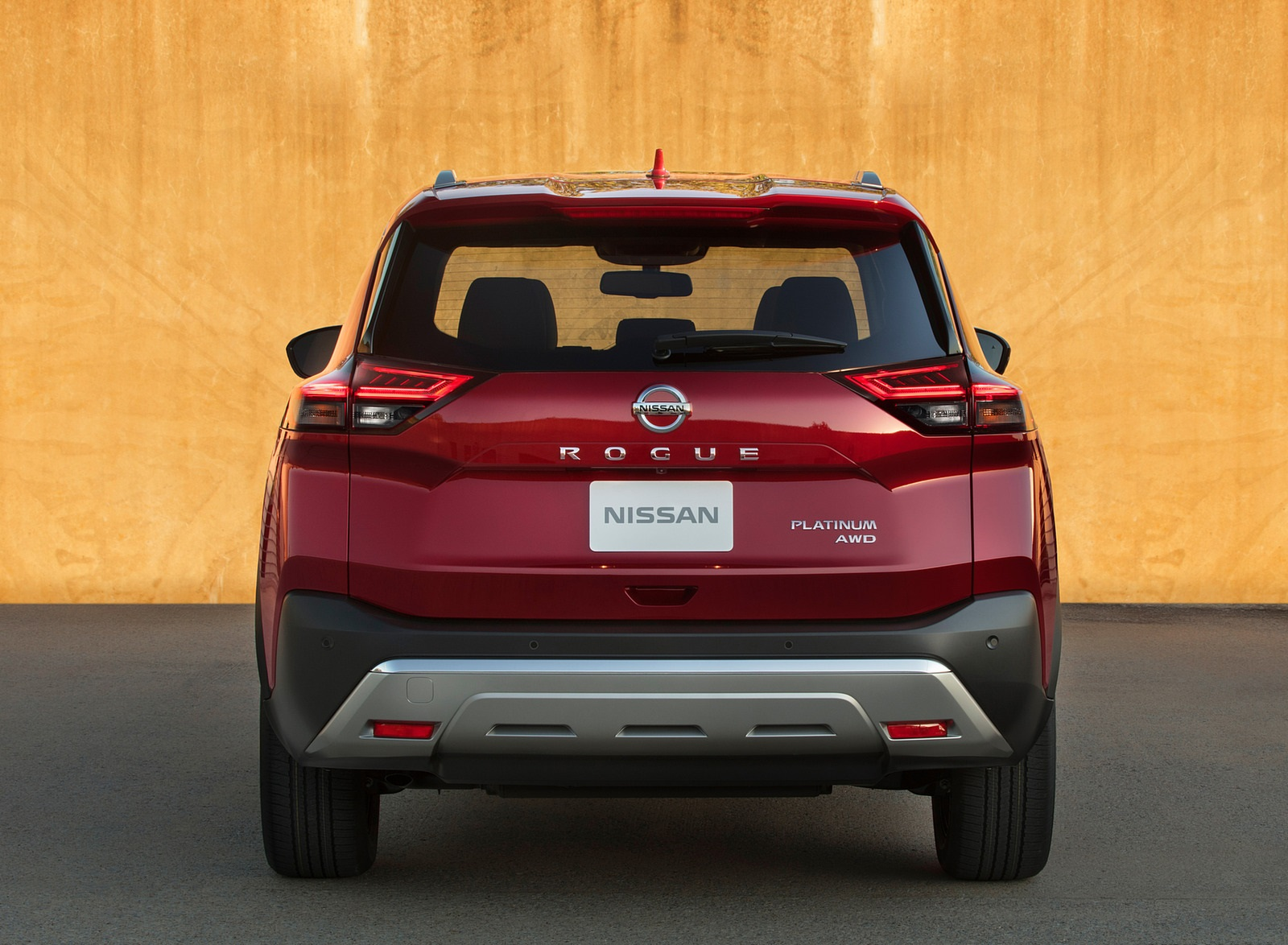 2021 Nissan Rogue Platinum AWD Rear Wallpapers (4)