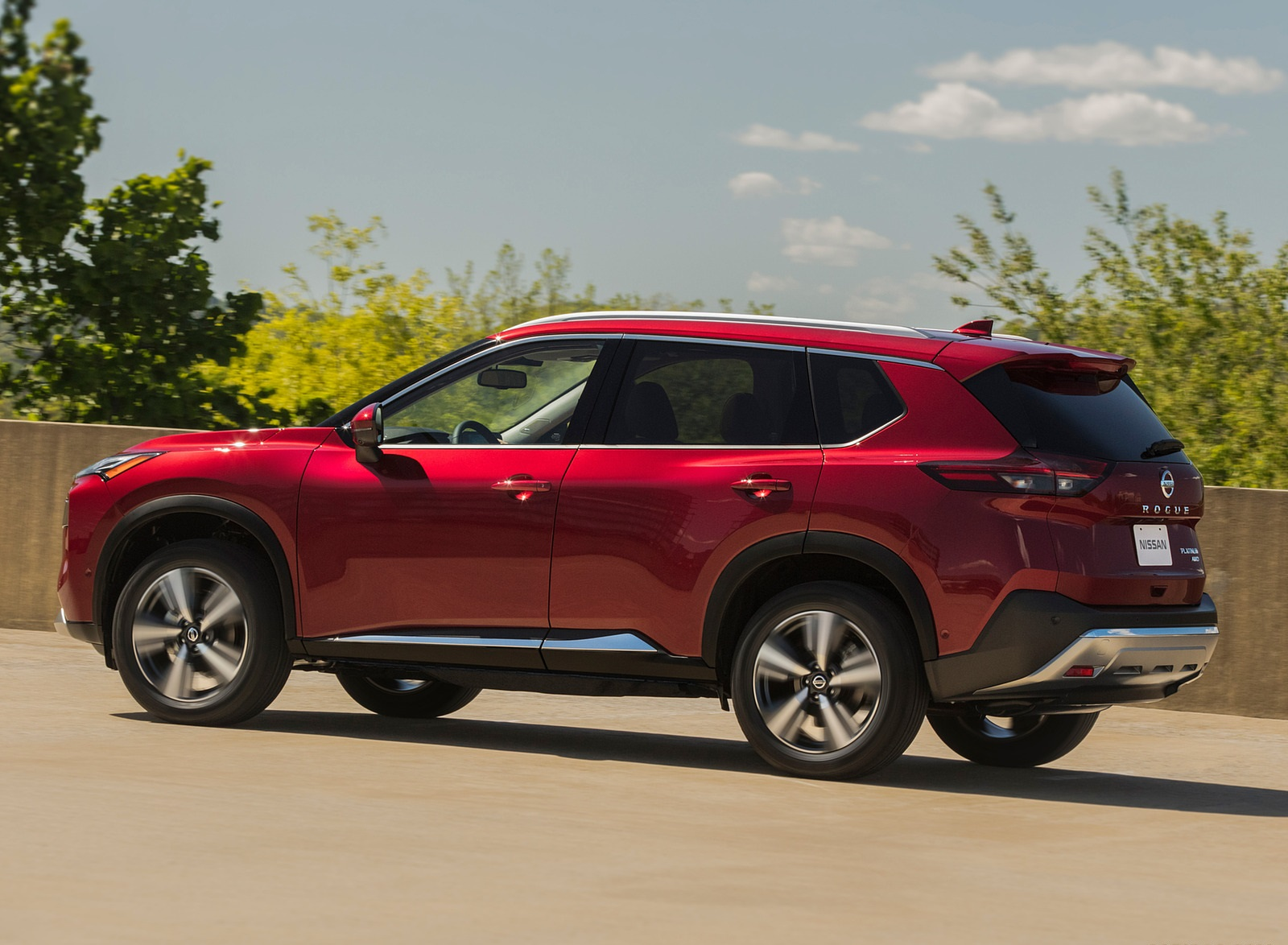 2021 Nissan Rogue Platinum AWD Side Wallpapers (5)