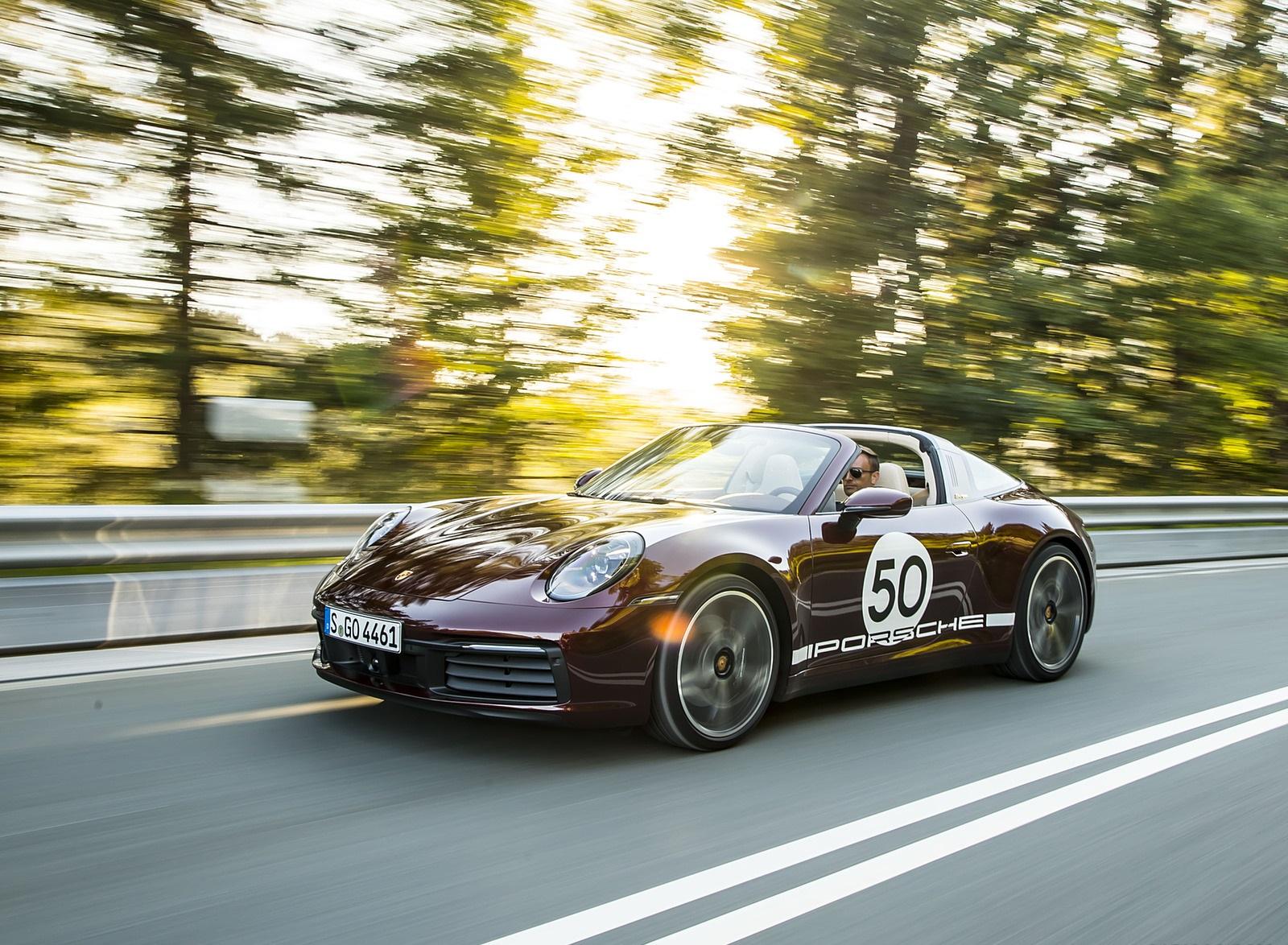 2021 Porsche 911 Targa 4S Heritage Design Edition (Color: Cherry Metallic) Front Three-Quarter Wallpapers (8)