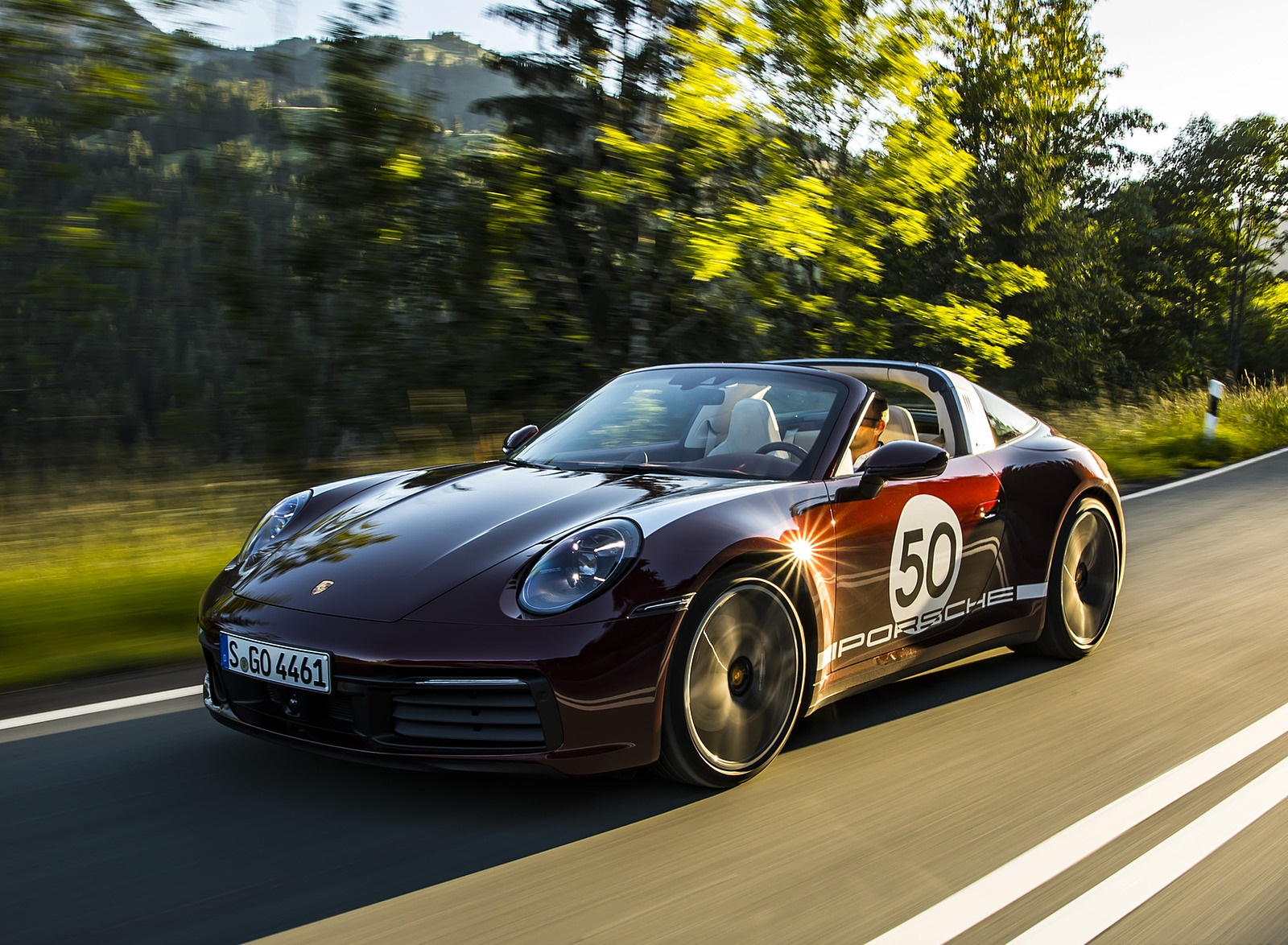 2021 Porsche 911 Targa 4S Heritage Design Edition (Color: Cherry Metallic) Front Three-Quarter Wallpapers (10)