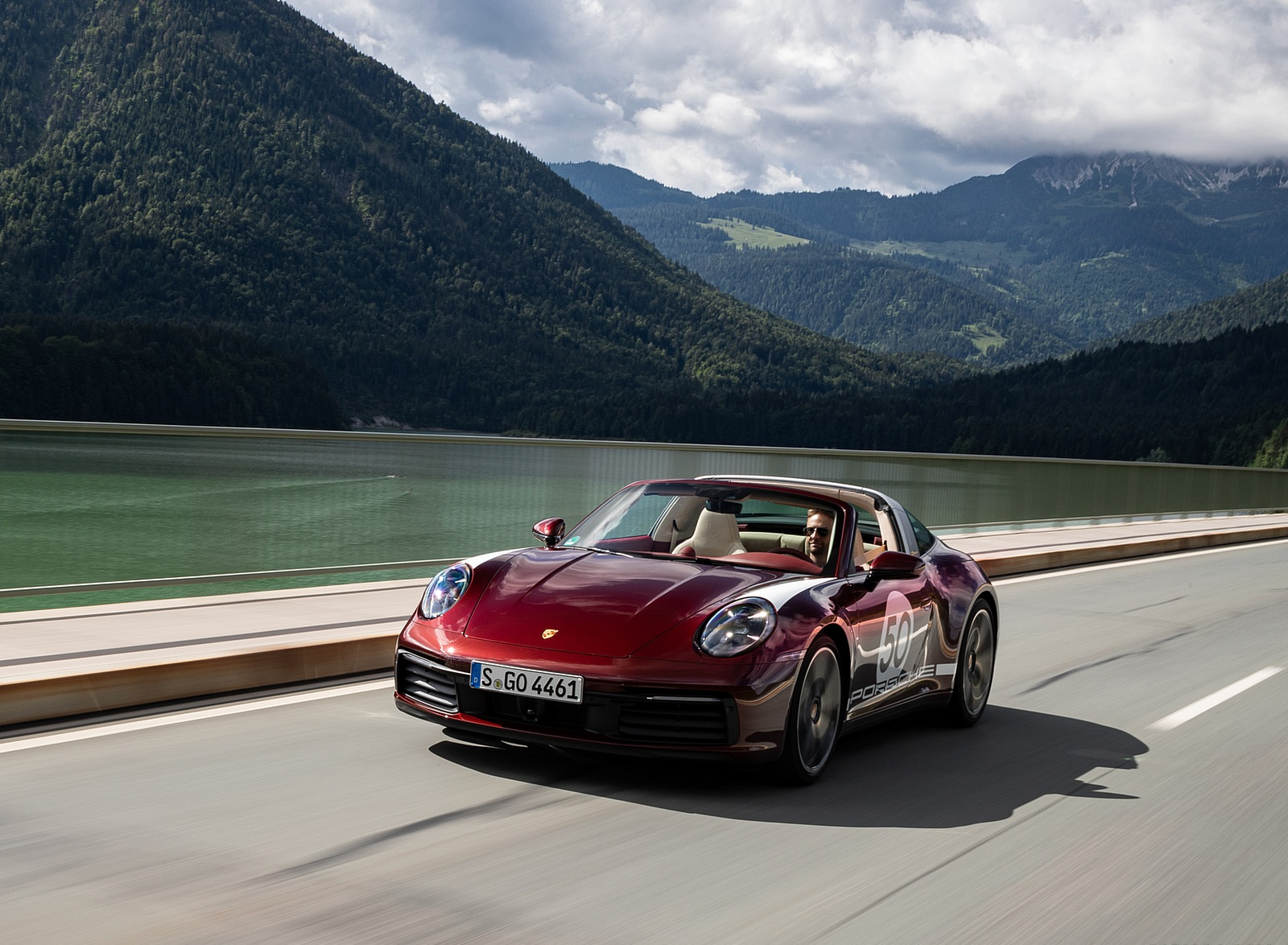 2021 Porsche 911 Targa 4S Heritage Design Edition (Color: Cherry Metallic) Front Wallpapers (3)
