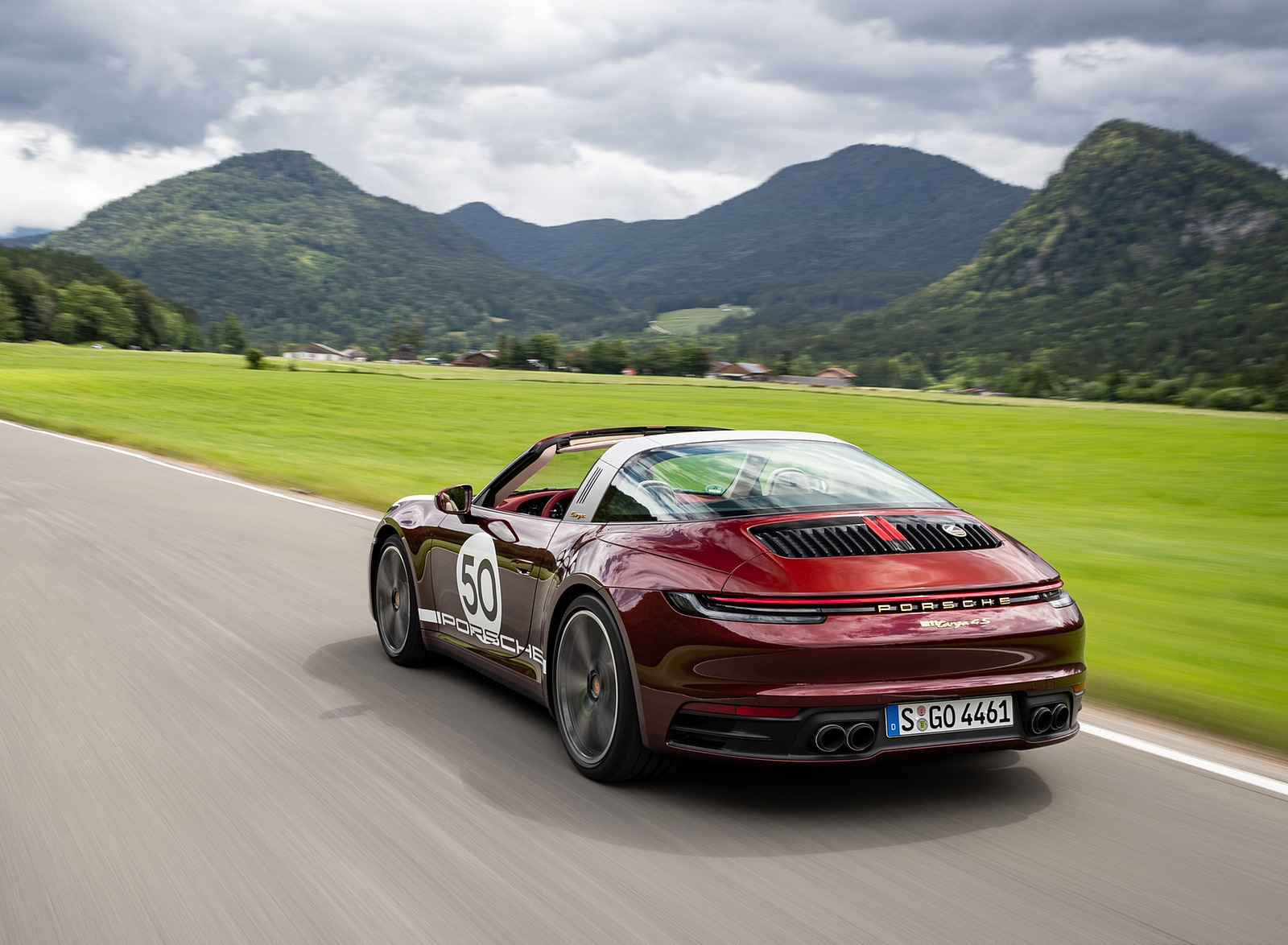 2021 Porsche 911 Targa 4S Heritage Design Edition (Color: Cherry Metallic) Rear Three-Quarter Wallpapers (4)